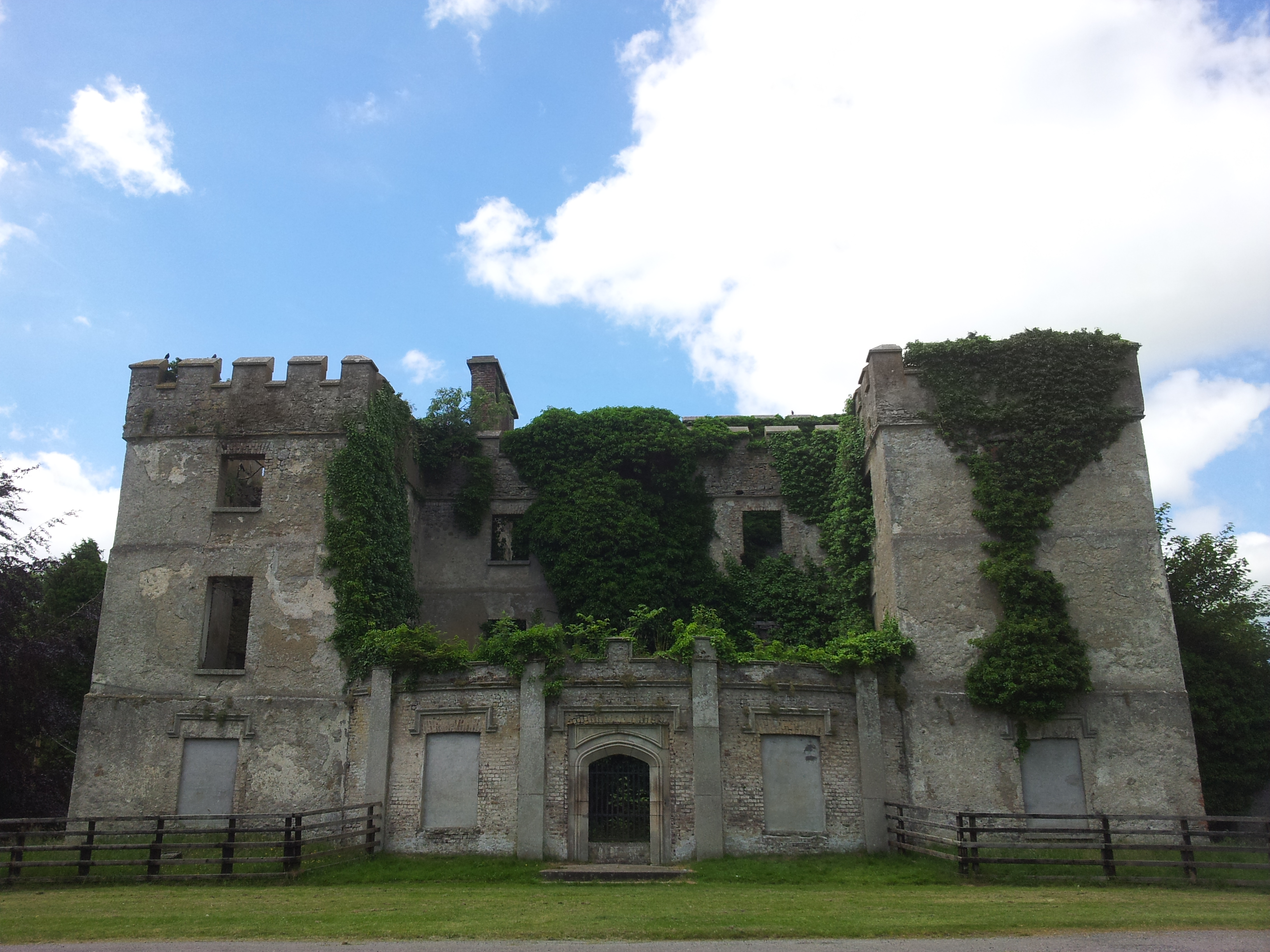 02 donadea castle co kildare visions of the past for Kildare castle